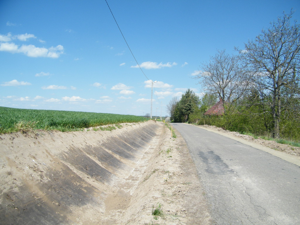 Galeria zdjęć: Przebudowa drogi gminnej Nr 111657R na działkach nr ewid. 333/1 i 333/2 w miejscowości Hawłowice od km 0+007 do km 1+404