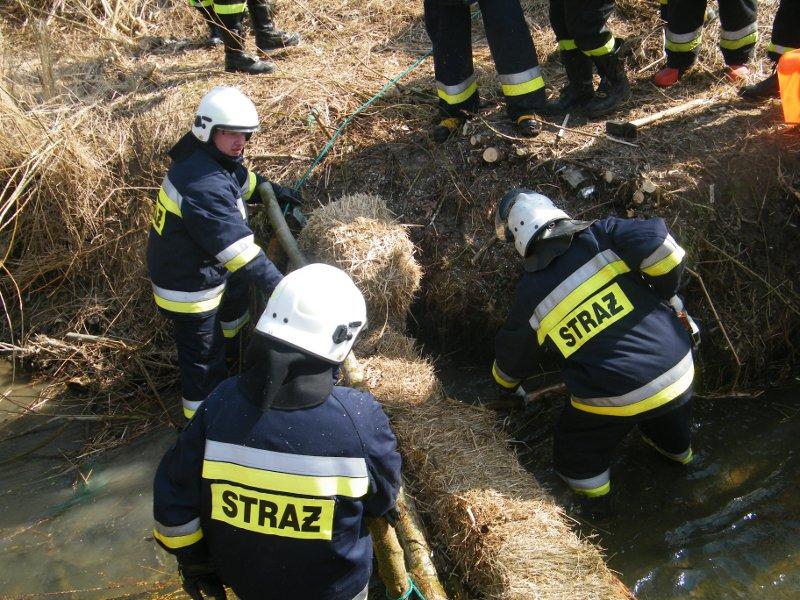 Galeria zdjęć: Ćwiczenia jednostek OSP z terenu Gminy Pruchnik