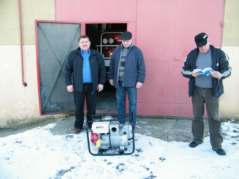 Galeria zdjęć: Zakup motopompy szlamowej WT30X na potrzeby OSP w Kramarzówce