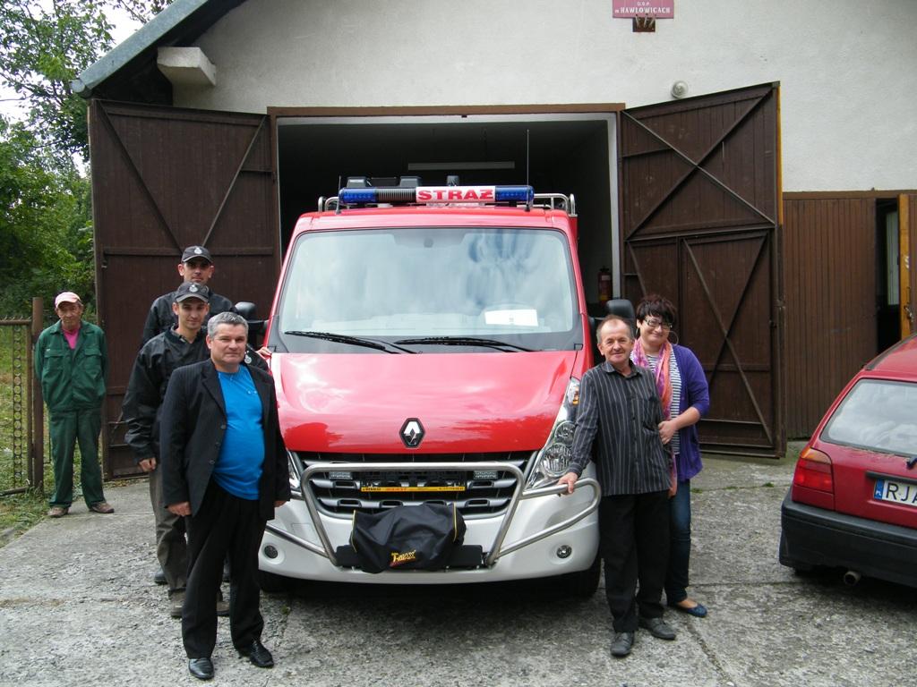 Galeria zdjęć: OSP w Hawłowicach otrzymała nowy samochód ratowniczo - gaśniczy