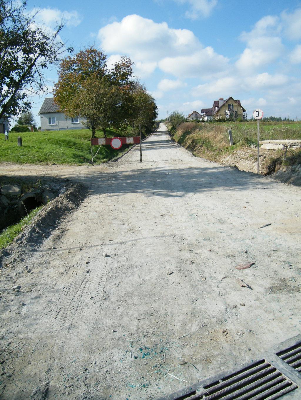 Galeria zdjęć: Remont drogi gminnej Nr 111694R Kramarzówka - Pruchnik Poprzeczka dz. nr ewid. 2565/1 i 2565/2 w km 0+000-1+040
