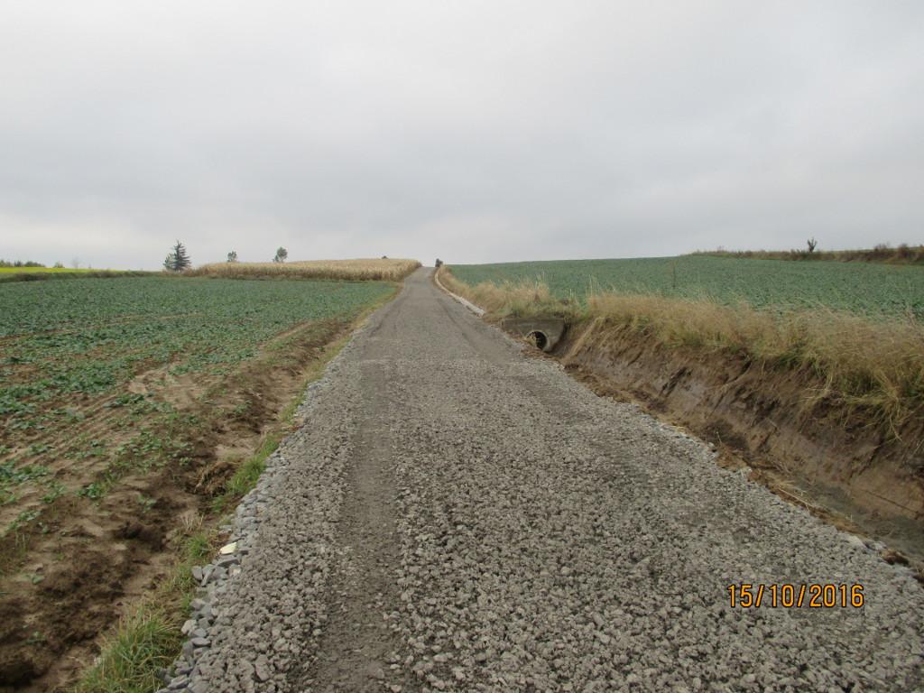 Galeria zdjęć: Remont drogi gminnej nr 1 40029R ul Spacerowa w Pruchniku dz. nr ewid.1810 i cz. 1757/1 w km 0+185-0+900