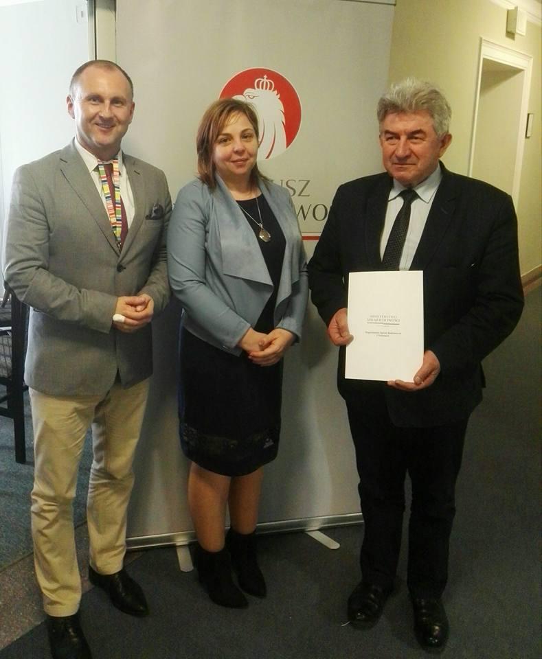 Galeria zdjęć: Gmina Pruchnik otrzymała promesę z Funduszu Sprawiedliwości na zakupy sprzętu dla OSP!!!
