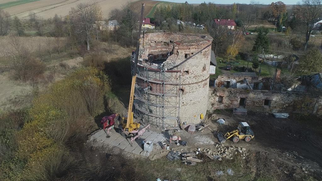 Galeria zdjęć: Trwają kolejne prace zabezpieczające na Baszcie w Pruchniku