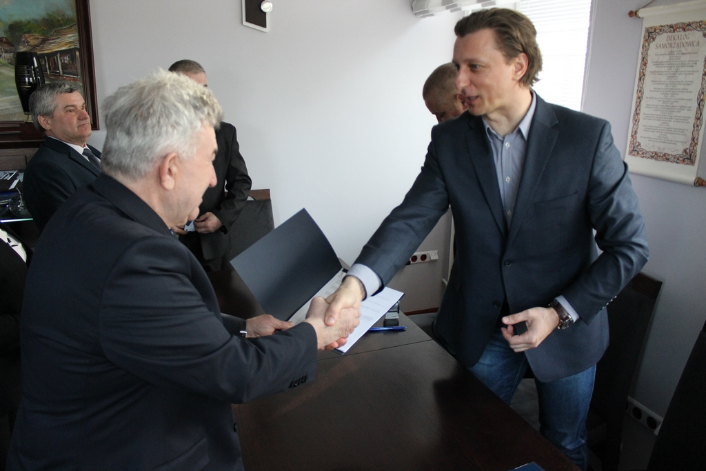 Galeria zdjęć: Umowa z Wykonawcą przebudowy ul. Św. Floriana podpisana.