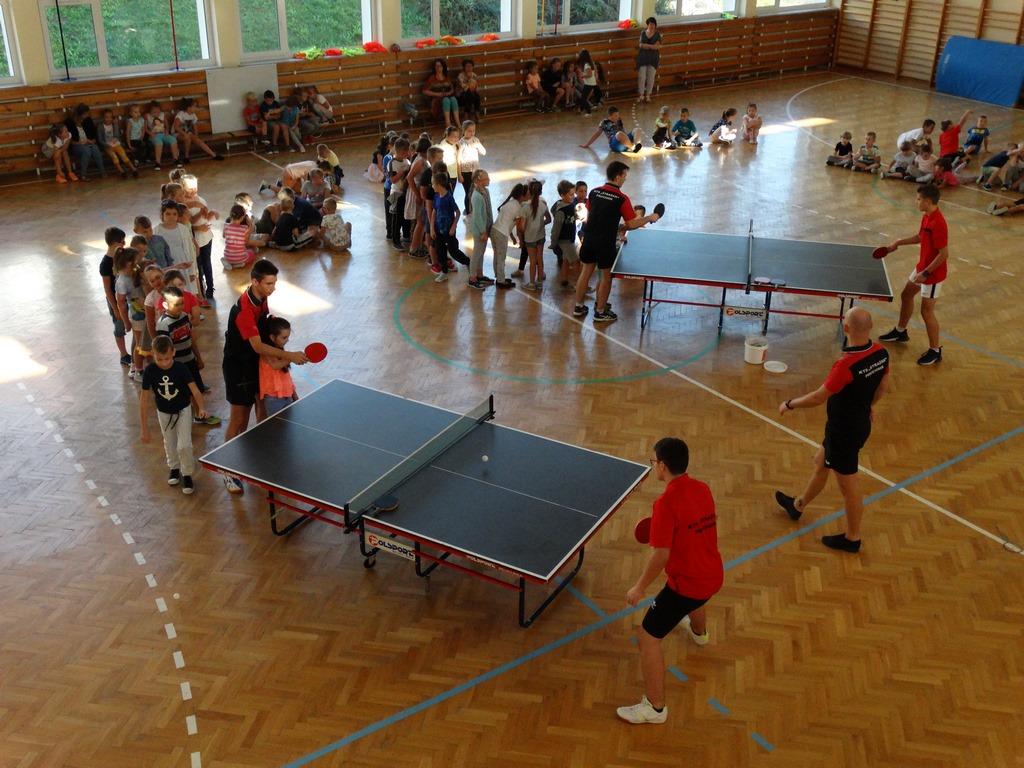 """Galeria zdjęć: ,,Strażak"""" Pruchnik promuje nowy nabór do szkółki tenisa stołowego"""