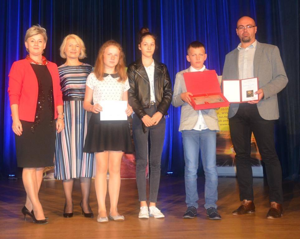 Galeria zdjęć: V miejsce Szkoły Podstawowej Nr 1 w Pruchniku w wojewódzkim podsumowaniu współzawodnictwa sportowego szkół.