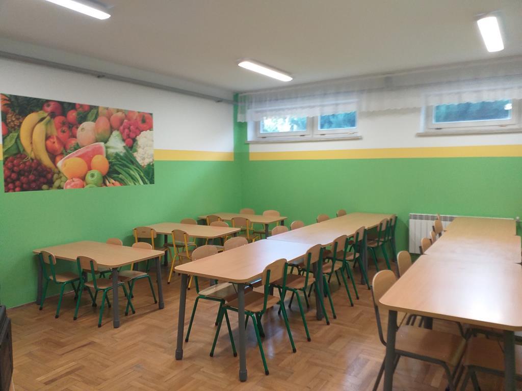 Galeria zdjęć: Program  'POSIŁEK W SZKOLE'  zrealizowany w Szkole Podstawowej w Rozborzu Długim