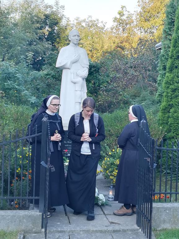 """Galeria zdjęć: Piesza dziękczynna pielgrzymka """"Śladami Świętego"""" z Pruchnika do Przemyśla"""